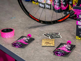 MUC-OFF Ultimate Tubeless Setup Kit Road/Gravel/CX | 44...